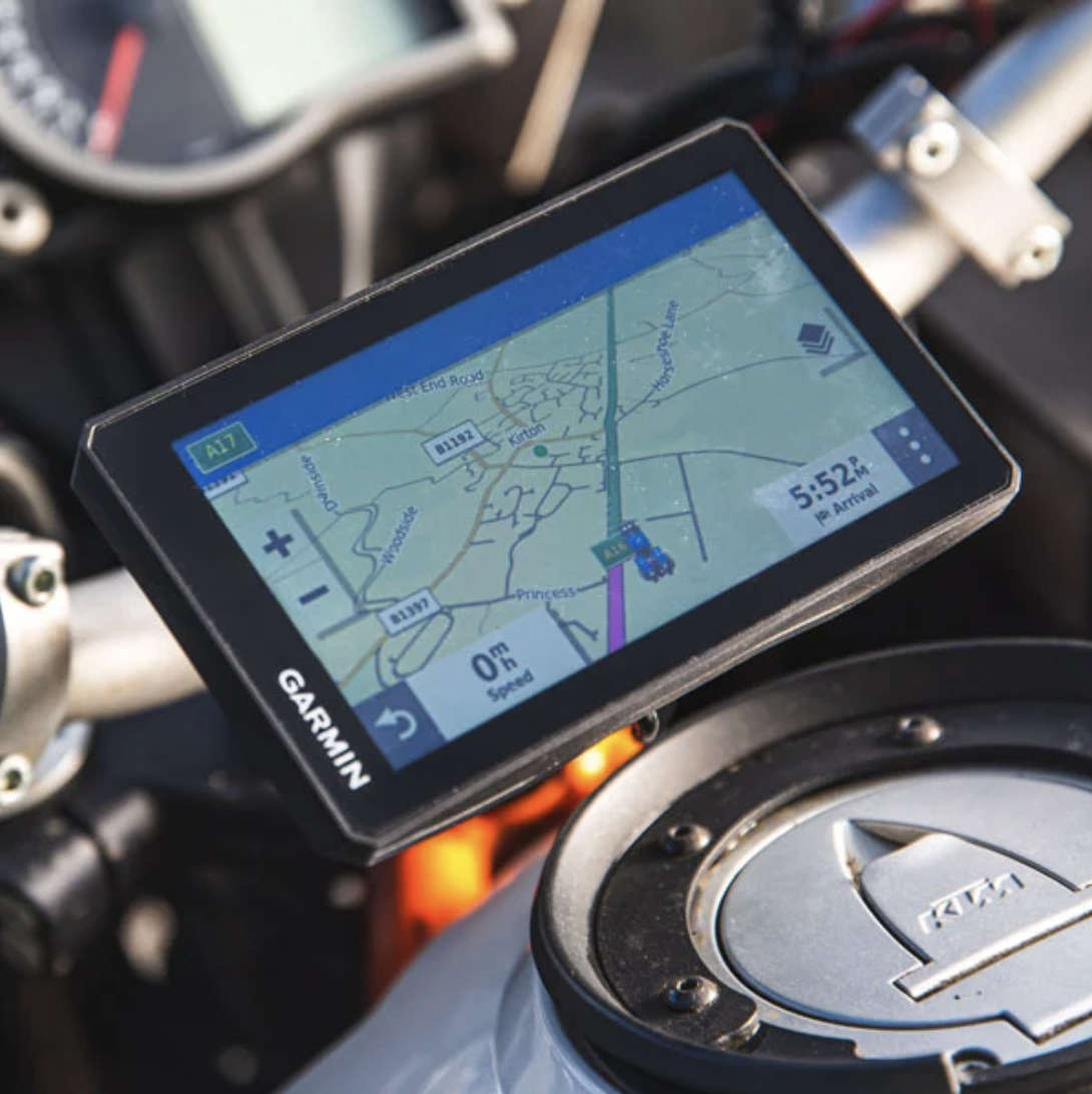 garmin zumo xt sat nav review